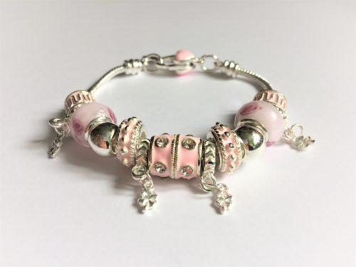 rózsaszín charm karkötő